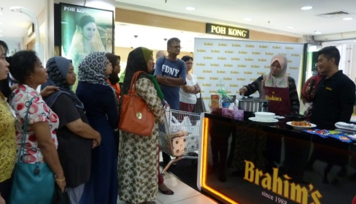 Brahim's 'Anyone Can Cook' Roadshow Penang helps shoppers in easy convenient cooking