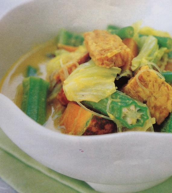 Brahim's Recipe: #24 Tempe and Vegetables in Creamy Coconut Gravy