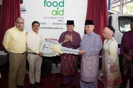 Brahim's Dewina Group and Baitul Hayati Foundation donates refrigerator food truck to Food Aid Foundation to feed the needy