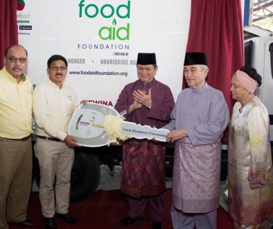Brahim's Dewina Group and Baitul Hayati Foundation donates refrigerator food truck to Food Aid Foundation to feed the needy