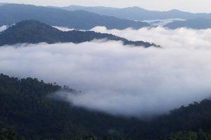 panorama-gunung-stong_0