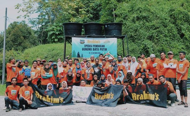 Group photo before climbing