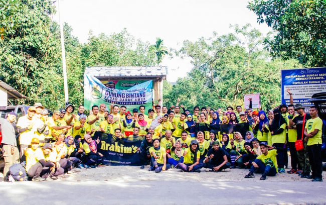 Group photo before climbing Gunung Bintang Kedah
